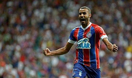 Ernando comemora o gol da vitória contra o São Paulo