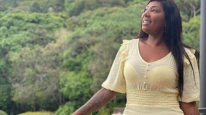 Após pai de Ludmilla relatar dificuldades financeiras, mãe da cantora rebate ex