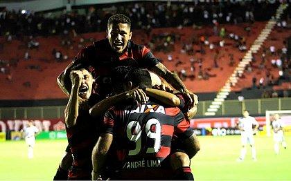 Neilton brilha, Leão vence Bragantino e avança na Copa do Brasil
