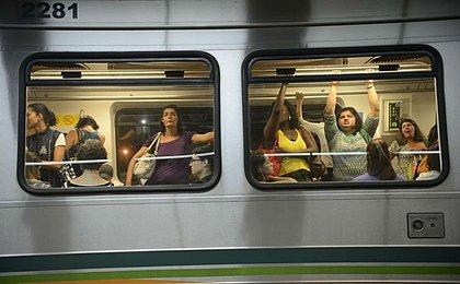 Lei também vai punir assédio no transporte público