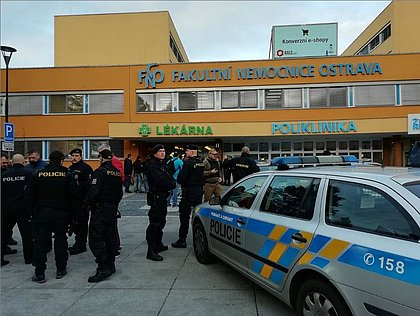 Ataque a tiros em hospital universitário deixa seis mortos na República Tcheca
