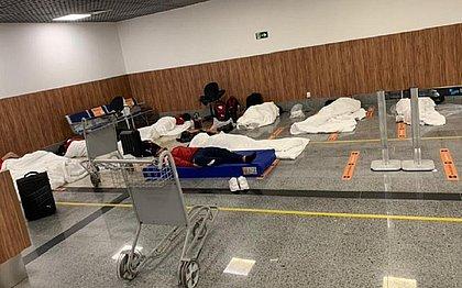 Parte da delegação dormiu no aeroporto após testar positivo para covid-19