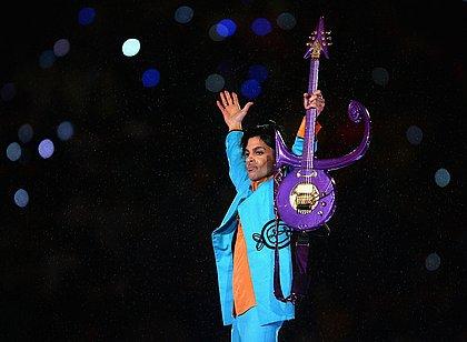 Prince morreu em 2016 por causa da ingestão acidental de analgésicos