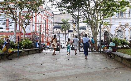 Praças de Salvador são reabertas após seis meses fechadas