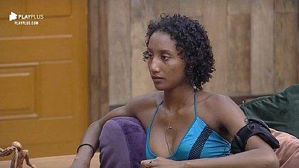'Senta aí, macaco': Sabrina denuncia frase racista vinda da produção de A Fazenda 11