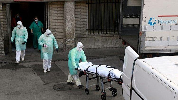 Covid-19: Brasil passa a Espanha em mortes e tem 450 mil casos
