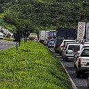 Na manhã desta quinta-feira (30), o congestionamento era de perder de vista