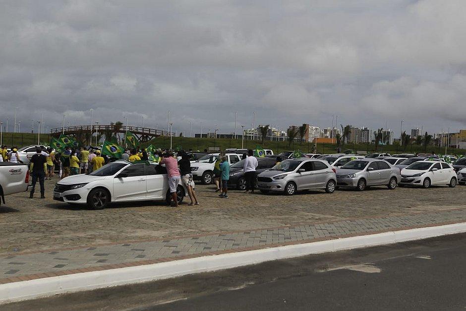 Bolsonaristas que invadiram área bloqueada na Boca do Rio são multados; veja vídeo