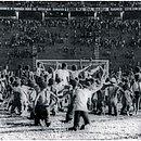 Goleada de 5 a 0 diante do Santa Cruz, em 1981, levou torcida a invadir gramado para comemorar