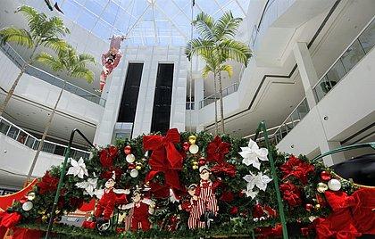 Shoppings divulgam datas de lançamento da decoração natalina; confira