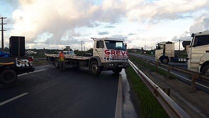 Caminhoneiros fazem segundo dia de protestos nas rodovias baianas