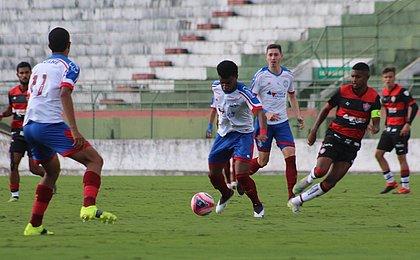 Com tricolor em vantagem, Bahia e Vitória decidem Baianão sub-20
