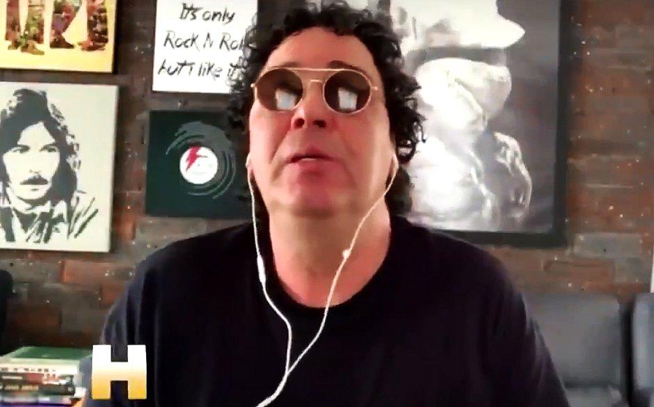 Casagrande chora morte de Maradona e relembra luta contra dependência química
