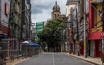 Avenida Sete, na altura da Praça da Piedade, um dos pontos mais movimentados da cidade, vazio durante lockdown