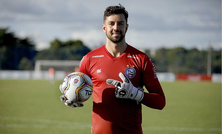 Mateus Claus estava no time de aspirantes e vai ser integrado ao principal do Bahia quando o futebol for retomado