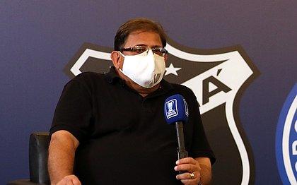 Guto Ferreira, técnico do Ceará