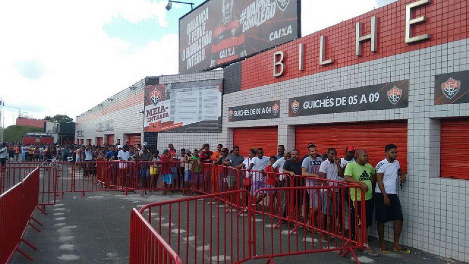 Ba-Vi  Vitória vende mais de 5 mil ingressos promocionais - Jornal ... 498373d5372a1