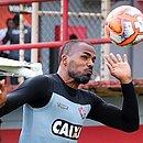 Thales é um dos reforços para a zaga do Vitória