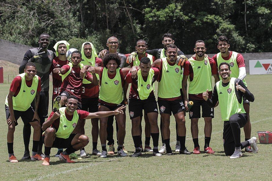 Contagem regressiva: Vitória tem mais três jogos até o fim do ano - Jornal Correio