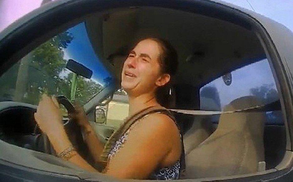 'Estava com vontade de fazer cocô', justifica mulher que dirigia a 115km/h
