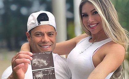 Hulk anuncia gravidez da esposa Camila e será pai pela quarta vez
