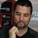 Técnico do Vitória, Osmar Loss lamenta derrota diante do Oeste