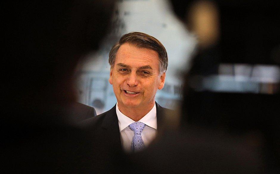 Bolsonaro cancela ida ao Fórum Econômico de Davos, diz porta-voz