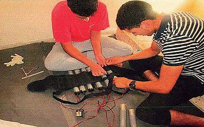 Foto de arquivo de Younes Abouyaaqoub (D) e Youssef Aalla, dois dos terroristas que cometeram vários ataques em Barcelona e Cambrils em 17 de agosto de 2017 matando 16 pessoas e ferindo outros 120,