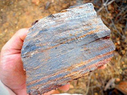Faturamento do minério de ferro baiano cresce 1.700% em 2021 mas logística ainda é entrave