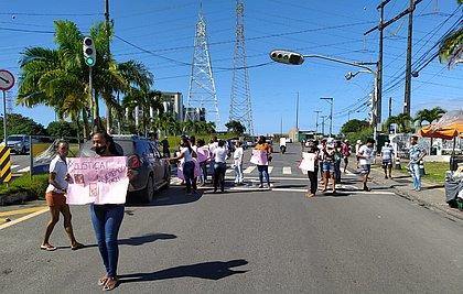 Família e amigos protestam após moradora ser baleada pela PM em Novo Horizonte