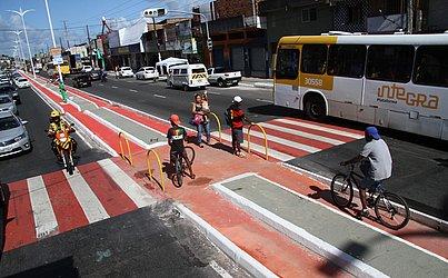 Avenida Afrânio Peixoto, a Suburbana