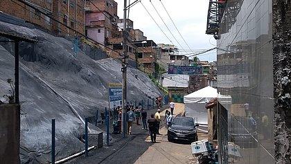 Encosta fica em uma das áreas mais castigadas pelas chuvas