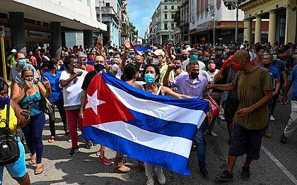 Cuba busca saída para driblar crise e embargo dos EUA