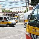 Transportadores escolares estão sem trabalhar há mais de um ano