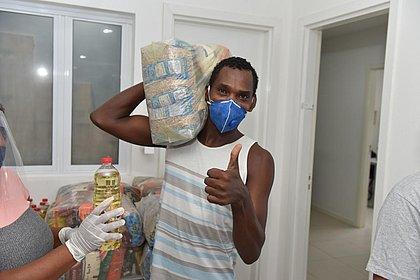 Prefeitura de Salvador inicia distribuição de 20 mil cestas básicas