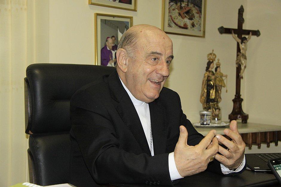 Dom Murilo diz que espera sensibilidade do prefeito para proibir arrastão