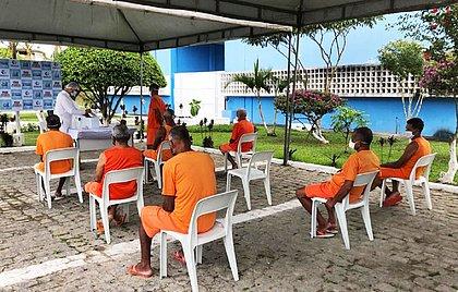 A vacinação foi realizada pela própria equipe de enfermagem do Conjunto Penal de Itabuna