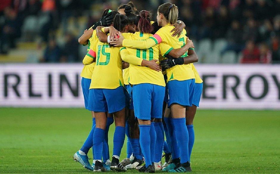 Jogadoras do Brasil comemoram