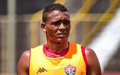 Gabriel Bispo agradeceu chance como capitão do Vitória