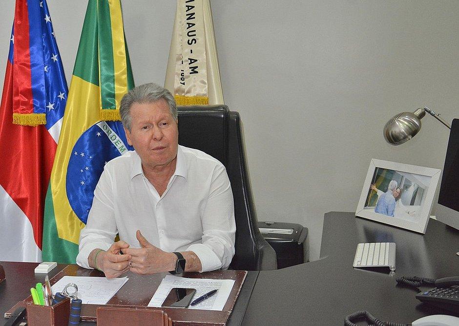 Arthur Virgílio Neto, prefeito de Manaus, é internado em UTI com covid-19