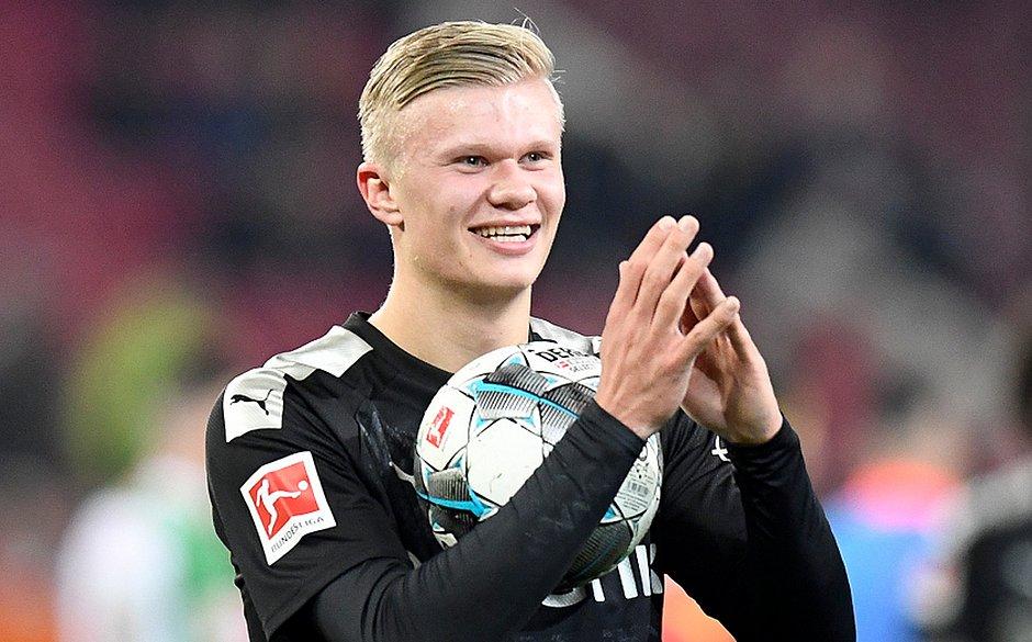 Erling Braut Haaland marcou três vezes em 20 minutos na vitória do Borussia Dortmund sobre o Augsburg