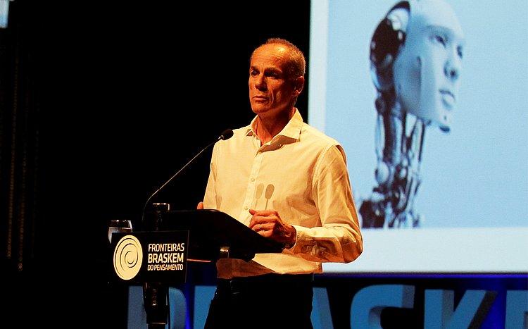 Astrônomo brasileiro Marcelo Gleiser ganha 'Nobel da espiritualidade'