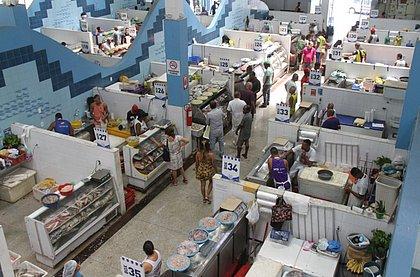 Boxes do Mercado do Peixe, na região de Água de Meninos, onde é mais forte a venda da produção de peixes 'nativos'