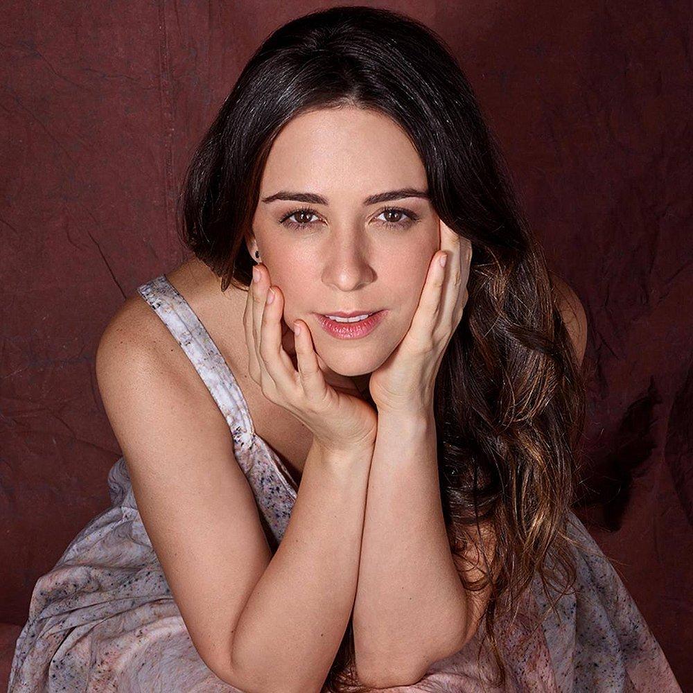 Ana Cecília Costa Atriz atriz de Órfãos da terra conta como foram as gravações da