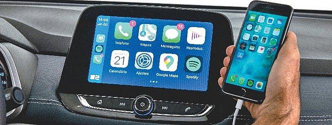 A central multimídia é a MyLink, compatível comCarPlay e Android Auto