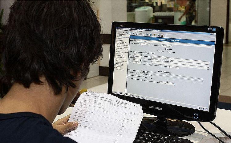 Mais de 160 mil baianos recebem hoje restituição do 2º lote do IR