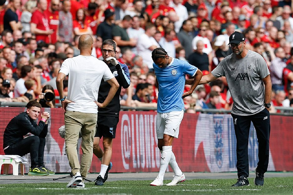 Sané deixou o gramado ainda no primeiro tempo da decisão da Supercopa inglesa