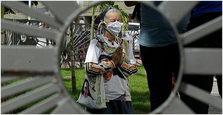'Muito amor': fiéis encaram pandemia e visitam santuário no dia de Santa Dulce
