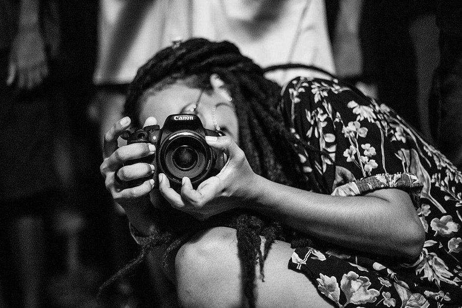 Fotógrafa faz ensaios para negros a preço acessível no Recôncavo
