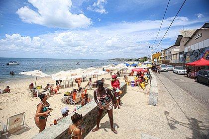Sol, praia e máscaras? Verão começa nesta segunda em meio às incertezas da pandemia